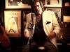 Los Autenticos Decadentes - Y la Banda Sigue (feat. Cacho Castaña)